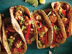 Banishing all boring birds: Rev up dinner with tangy, smoky, or fiery flavors. In our first recipe, kung pao has its tortilla mome. Healthy Chinese Recipes, Mexican Food Recipes, Healthy Recipes, Fun Recipes, Healthy Food, Healthy Eating, Breakfast Food List, Breakfast Recipes, Dinner Recipes