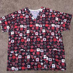 Scrub top ~ XL ~ Pretty heart patterns ~ ❤️ Scrub top ~ XL ~ Pretty heart patterns ~ ❤️ Two pockets in front. ❤️❤️❤️❤️❤️ Tops Tees - Short Sleeve
