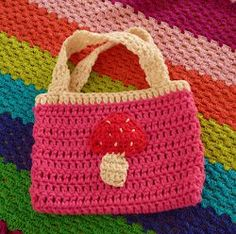 The pattern for this Beginner Appliqued Handbag is easy to make and can be embellished with an applique of your choice.