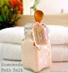 Homemade Bath Salt {DIY Gift} - 1 cup Epson Salt, 1 cup Sea Salt, 3-6 drops Essential Oil, 5-10 drops Food Coloring....easy peasy!