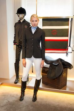 Equestriennes and dressage
