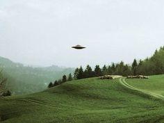 Esistono 1 milione di rapporti, nel mondo, su avvistamenti di UFO: 200.000 sono molto attendibili. Nel 2017/2020 l'annuncio dei Governi? Prepariamoci a questa evoluzione cosmica ed etico tecnologica.