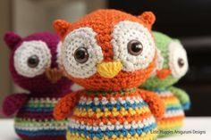 Ancora un nuovo tutorial per fare dei gufetti a uncinetto ;)  (Gli altri li trovate qui)  L'autrice di questi è Emy di LittleMuggles.com.  Per vedere il post e le is...