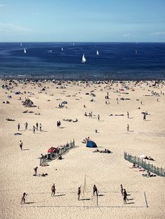 Warnemünde is a sea resort and northmost district of Rostock in Mecklenburg-Vorpommern, situated on the Baltic Sea in the northeast of Germany at the estuary of the river Warnow. B E A C H L I F E _ O 1 by ®oland, via Flickr
