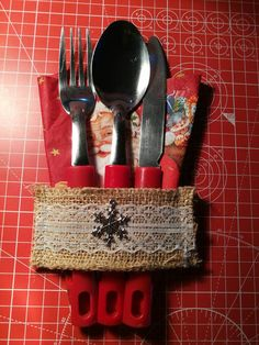 Check out this item in my Etsy shop https://www.etsy.com/uk/listing/475631763/christmas-silverware-pockets