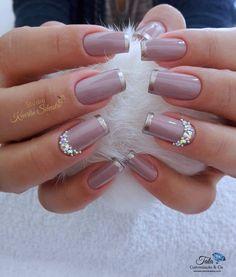 New french manicure colors rose gold 20 ideas French Nails, Silver French Manicure, French Manicure Designs, Nail Art Designs, French Manicures, Pedicure Designs, Glitter Manicure, Manicure Colors, Manicure E Pedicure