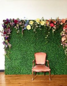 16 Fun Photo Backdrop Ideas for Your Next Party How cool is this? It's like an English Garden just popped up in your apartment! You could achieve something similar with astroturf or a giant photo of grass with actual flowers pinned to the top Decor Photobooth, Photo Booth Backdrop, Photo Backdrops, Photo Booth Background, Greenery Background, Birthday Background, Background Ideas, Backdrop Stand, Party Kulissen