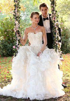 Emily VanCamp and Josh Bowman Film Revenge Wedding Scenes: Pics - Us Weekly: