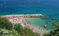 Beaches on Capri from private to public
