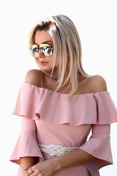 Sabadão demanda um visual para arrasar  a @bianca_petry sabe exatamente como fazer isso ✔️ Escolheu o look e arrematou com o moderno e sofisticado #Dior #Split  #oticaswanny