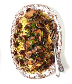 This simple recipe pairs mushrooms w/ tangles of chewy spaghetti & marsala wine for a cozy dinner. A nice choice for fall. Marsala Pasta, Marsala Wine, Marinated Mushrooms, Stuffed Mushrooms, Marsala Mushrooms, Vegetable Entrees, Whole Food Recipes, Cooking Recipes, Keto Recipes