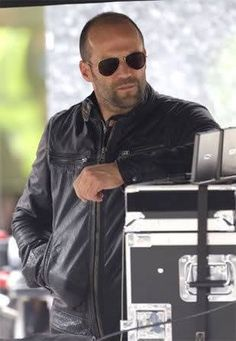 Jason~a real man who schleps his own gear :).