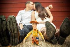 umm excuse me? This is the most adorable thing ive ever seen. My boyfriend better be ready because we are have Woody and Buzz in our engagement pictures Themed Engagement Photos, Disney Engagement, Engagement Pictures, Toy Story Baby, Toy Story Theme, Tan Wedding, Wedding Shit, Perfect Wedding, Wedding Ideas