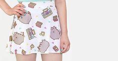 Sur le site de Hey Chickadee, tu peux trouver tout un tas de vêtements et accessoires Pusheen, qui risquent de rendre ton chat vert de jalousie !