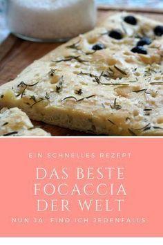 Rezept für leckeres Focaccia: Dieses Brot ist als Grillbrot zum Grillen super, aber auch als Sandwich oder zum Salat. Mit Rosmarin, Thymian und anderen Kräutern, mit Meersalz oder mit Oliven. Superschnell gemacht.