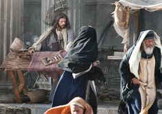 Lunes: La purificación del templo en Jerusalén, fue un acto de valentía. Siempre que le seguimos, recibimos la fuerza para hacer lo que es correcto. #Aleluya #Síguelo