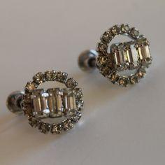 Weiss Silver Tone Screw Back Clip On Vintage Bagette Rhinestone Earrings by FunkieFrocks on Etsy