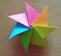 Origami Septima Star. Click through to video showing the making of this star.