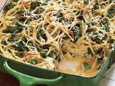 Baked Spaghetti Frittata With Broccoli Rabe And Smoked Mozzarella Recipe - Food Republic Giada De Laurentiis, Baked Spaghetti, Spaghetti Recipes, Cacio E Pepe Pasta Recipe, Smoked Mozzarella Recipe, Broccoli, Zucchini, Slow Cooker, Shiitake