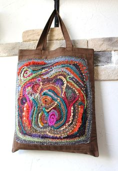Inspired by FF crochet Quilted Tote Bags, Patchwork Bags, Fabric Purses, Fabric Bags, Shabby Chic Stil, Art Bag, Boho Bags, Freeform Crochet, Knitted Bags