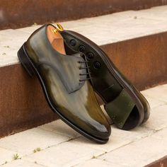 Custom Made Goodyear Welt Derby in Italian Raw Crust Leather with Khaki Hand Patina Finish From Robert August. Create your own custom designed shoes. Design Your Own Shoes, Custom Design Shoes, Hot Shoes, Men S Shoes, Green Leather, Calf Leather, Penny Loafer, Goodyear Welt, Suit And Tie