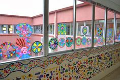 paret gaudi School Murals, Art School, Art Activities For Kids, Art For Kids, Elementary Drawing, Antonio Gaudi, Art Classroom, Art Projects, Art Gallery