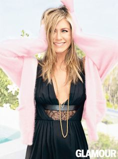 Jennifer Aniston was interviewed by none other than her We're the Millers co-star Jason Sudeikis for the US Glamour September issue. Jennifer got very candid Nancy Dow, Jennifer Aniston Style, Jenifer Aniston, John Aniston, Justin Theroux, Glamour Magazine, Rachel Green, Shows, Up Girl
