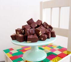 Chokladfudge- endast 2 ingredienser - ZEINAS KITCHEN