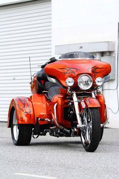 2011 Harley Davidson Costum Tri Glide Trike Orange Front