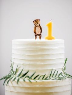 Obsessed with this birthday cake with minimal forest motif! - Cake - first birthday cake-Erster Geburtstagskuchen Themed Birthday Cakes, First Birthday Cakes, Birthday Parties, Bear Birthday, Simple 1st Birthday Party Boy, Simple Birthday Cakes, 1 Year Birthday Party Ideas, One Year Birthday Cake, White Birthday Cakes