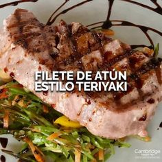 Filete de atún estilo Teriyaki Tuna steak Teriyaki😋 Here you have a dish with a delicious and exotic taste for you and your partner. Find the recipe in Healthy Cooking, Healthy Eating, Healthy Recipes, Fish Recipes, Seafood Recipes, Kitchen Recipes, Cooking Recipes, Deli Food, Good Food