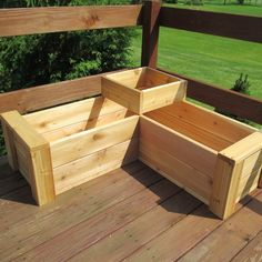 Made from naturally rot-resistant premium quality cedar deck boards, this Gunderson L-Shaped Multi-level Cedar Planter Box is the perfect size to frame a corner or enclose an area on a patio. Deck Planters, Wooden Planters, Deck Planter Boxes, Planter Box Plans, Pallet Planters, Cedar Planter Box, Bamboo Planter, Cedar Deck, Pallets Garden