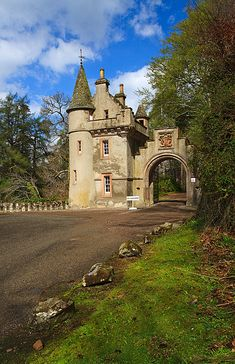 Castle Gate to Ballindalloch Castle - Scotland (Image by Mike Searle)