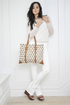 PYRAMID PORTFOLIO TOTE $118.00 A sleek option for toting your laptop and artwork.