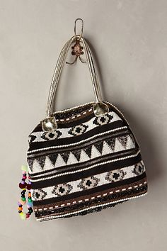 Like this shape with the large zipper opening.