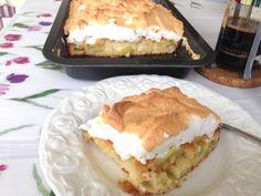 Festlig rabarberkaka med marängtäcke | Gunilla Tiramisu, Cake Recipes, Food And Drink, Ethnic Recipes, Desserts, Food Cakes, Tailgate Desserts, Cakes, Easy Cake Recipes