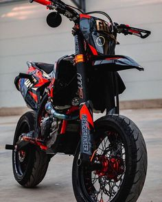 Ktm Dirt Bikes, Cool Dirt Bikes, Ktm Motorcycles, Motard Bikes, Biker Photoshoot, Ktm Supermoto, Enduro Motocross, Bike Drawing, Ktm Exc