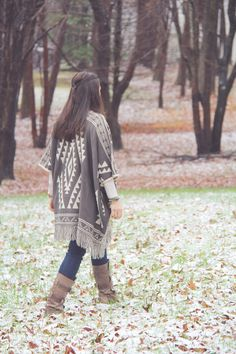 Dusting of Snow on the blog this morning with a fabulous @mooncatsUS aztec blanket wrap