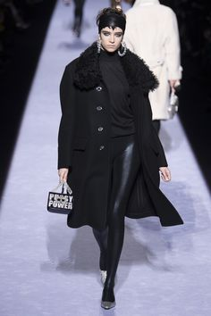 FALL 2018 READY-TO-WEAR  Tom Ford  COLLECTIONSELECT GALLERY  Look 15/37  Model: Grace Hartzel