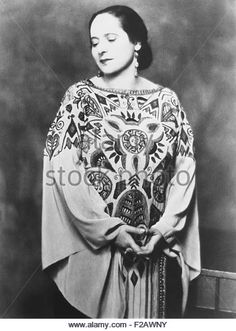 madame-helena-rubenstein-in-a-paul-poiret-gown-inspired-by-the-russian-f2awny.jpg (385×540)