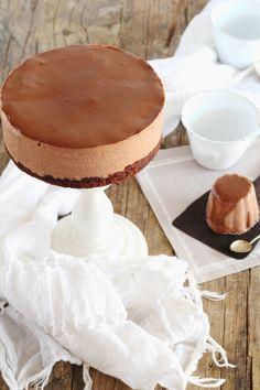 Hoy venimos cargados de chocolate, una rica tarta de yogur y chocolate y encima sin horno, de esas que tanto me gustan a mi. I deal para ...