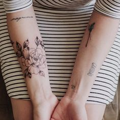 Foto foda da @katarinaholanda com suas tatuagens novas   #inkdomus #lcjunior…