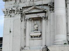 Bust of Doge Tribuno Memmo -- San Giorgio Maggiore, Venice, Italy Republic Of Venice, Unique Architecture, Ravenna, Venice Italy, Public Art, Doge, Central Park, Verona, Monuments