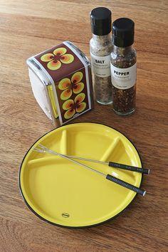 Fondue Plate Cabanaz, Sunny Yellow Fondue, Home Accessories, Plates, Retro, Yellow, Collection, Design, Home Decor, Licence Plates