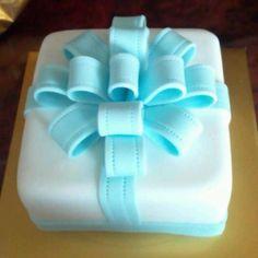 Sugar paste ribbon cake