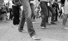 Marcia delle donne e degli uomini scalzi  Lido di Venezia 11 settembre 2015
