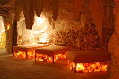 Salt Room Therapy It is said that back in the early in Eastern Europe, salt miners who were mining deep underground realized a significant difference in their respiratory problems due to the. Himalayan Salt Cave, Himalayan Salt Benefits, Himalayan Salt Crystals, Salt Cave Benefits, Salt Cave Therapy, Salt Inhaler, Massage Therapy Rooms, Spa Interior, Spa Rooms
