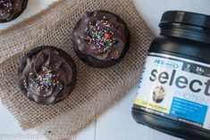 PEScience just recently released a new whey protein Select flavor: Frosted Chocolate Cupcake and it's safe to say that I am obsessed! So naturally, I had to make chocolate cupcakes us… Healthy Chocolate Cupcakes, Protein Cupcakes, Chocolate Frosting, Chocolate Greek Yogurt, Vanilla Yogurt, Protein Powder Recipes, Protein Recipes, Greek Yogurt Frosting, Protein Foods