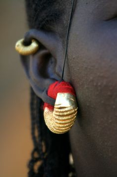 Africa | Fulani earring. Mali | ©Tarnya Hall //