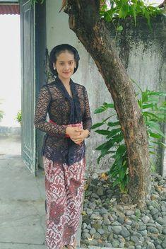 Lace Skirt, Sequin Skirt, Kebaya, Asian Woman, Beauty Women, Ethnic, Dj, Dancer, Beautiful Women